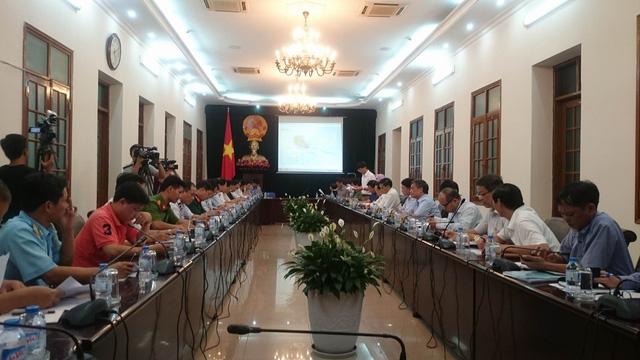 UBND thành phố họp khẩn với các thủ trưởng đơn vị, ban ngành bàn về phương án ứng phó bão số 7.