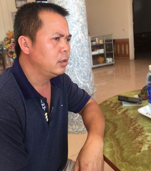 Ông Bùi Hồng Nguyên trao đổi với PV về những bức xúc của nạn xe dù bến cóc tại bến xe Thịnh Long – Ảnh Hoàng Dương