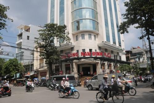 Cửa Đông Nam Định Plaza.