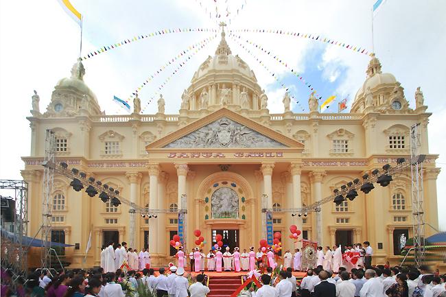 Nhà thờ Giáo họ Đức Bà
