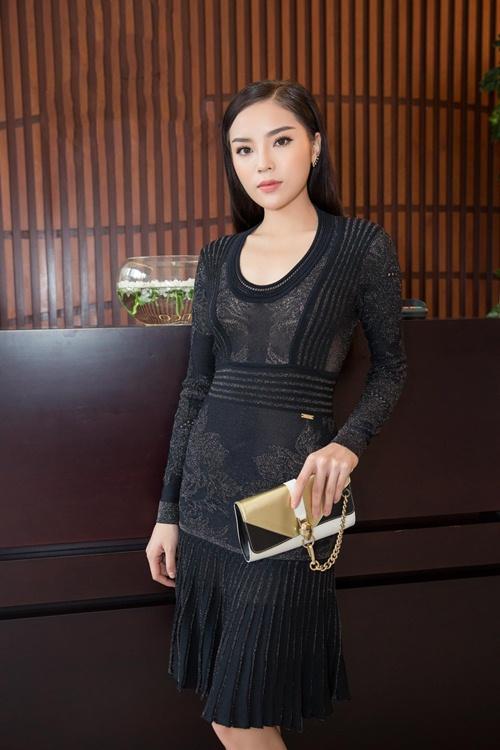 Hoa hậu Việt Nam 2014 ngày càng xinh đẹp và sắc sảo.