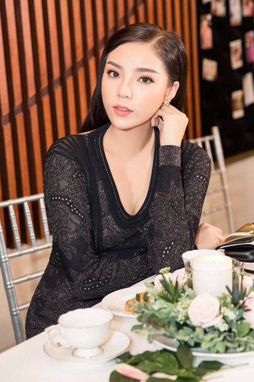 Cận cảnh vẻ ngoài xinh đẹp của Hoa hậu Kỳ Duyên.
