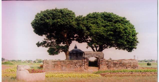 Lăng Nguyễn Công Triều