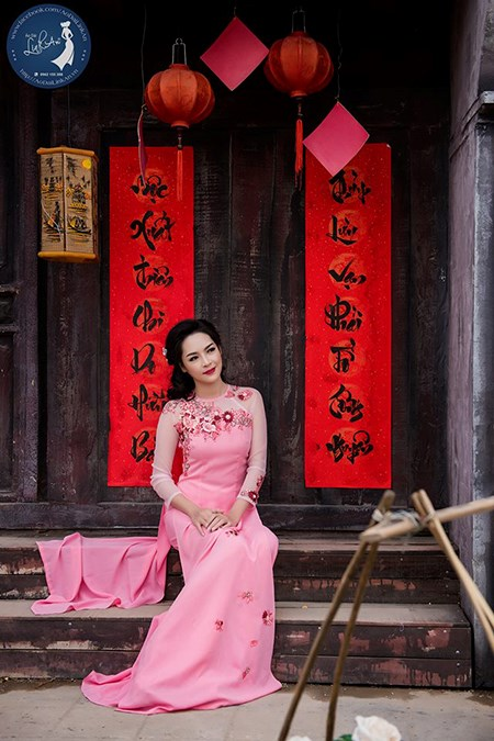 Thanh Quỳnh còn làm MC chương trình truyền hình và là người mẫu trong một số bộ ảnh.