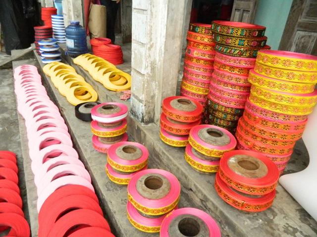 Người dân làng Giáp Nhất là nơi duy nhất ở miền Bắc còn làm khăn xếp