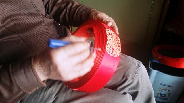 Nam Trực: Làng nghề khăn xếp độc nhất vào vụ Tết
