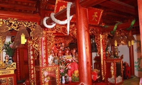 Toàn bộ ngôi nhà được những nghệ nhân hàng đầu Hải Dương thi công và hoàn thiện.
