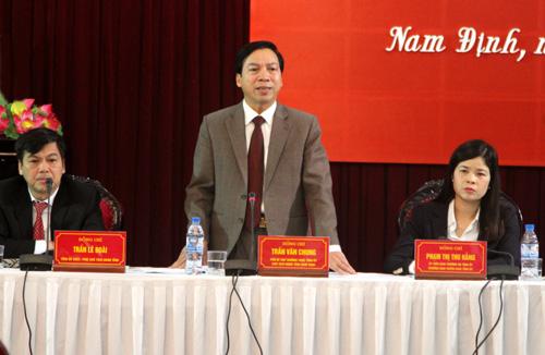 Lãnh đạo Tỉnh ủy, HĐND - UBND tỉnh Nam Định chủ trì Hội nghị. Ảnh Việt Hoàng.