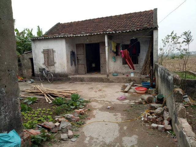 Căn nhà 4 mẹ con chị My đang ở nhờ cùng nhà ông bà ngoại. Ảnh NT