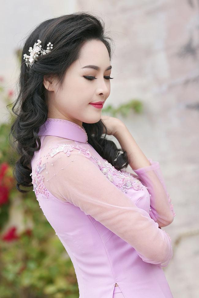 Cô thường xuyên đăng tải hình ảnh xinh đẹp trên mạng xã hội, khiến nhiều người ghen tị.