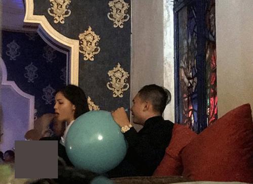 Và sự việc chơi bóng cười cũng ảnh hưởng đến thanh danh của Nguyễn Cao Kỳ Duyên.
