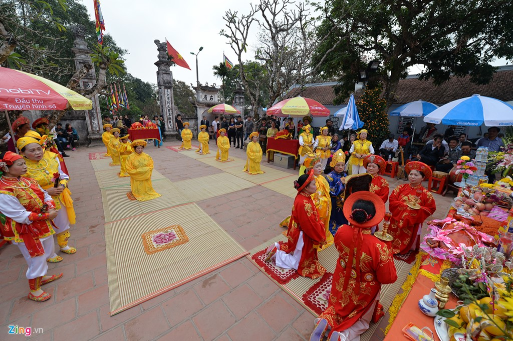Kể từ nay đến ngày khai ấn, các đoàn thể, tổ chức từ nhiều địa phương sẽ lần lượt dâng hương, tế lễ tại Đền Trần.