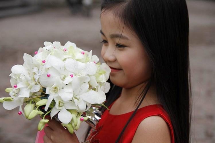 Sự xuất hiện của em gái theo một cách đầy bất ngờ trong đội hình bê tráp tạo cho hai chị em Phương có thêm kỷ niệm khó quên.