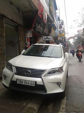 Xe Lexus RX350 mới với giá khoảng 2 tỷ đồng mang biển khá đẹp ở Nam Định