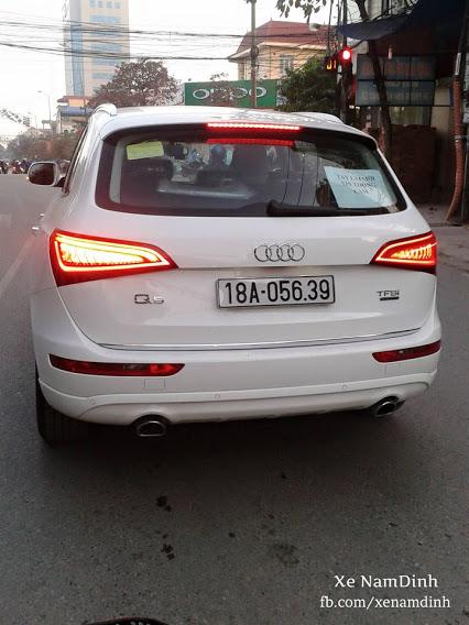 Xe Audi Q5 mới với giá khoảng 2 tỷ đồng xuất hiện hoành tráng trên đường phố.