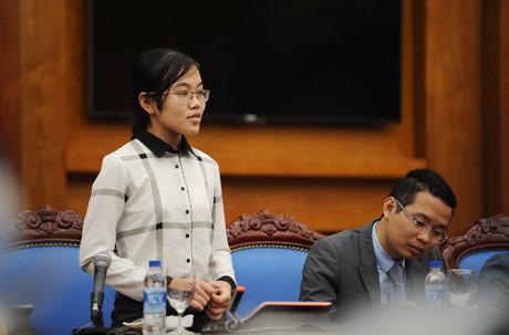 Cô gái 2 lần đoạt Huy chương Vàng Olympic Vật lý quốc tế Đinh Thị Hương Thảo