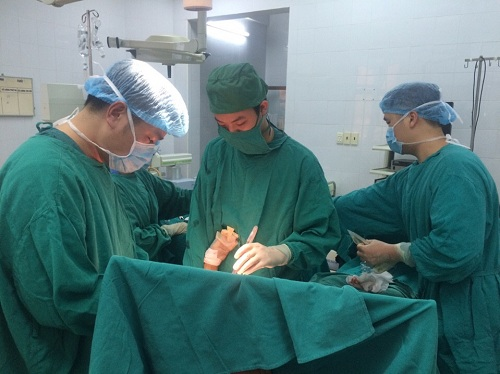 Nam Định: Lần đầu tiên thay khớp vai thành công, bệnh nhân không phải lên tuyến trên