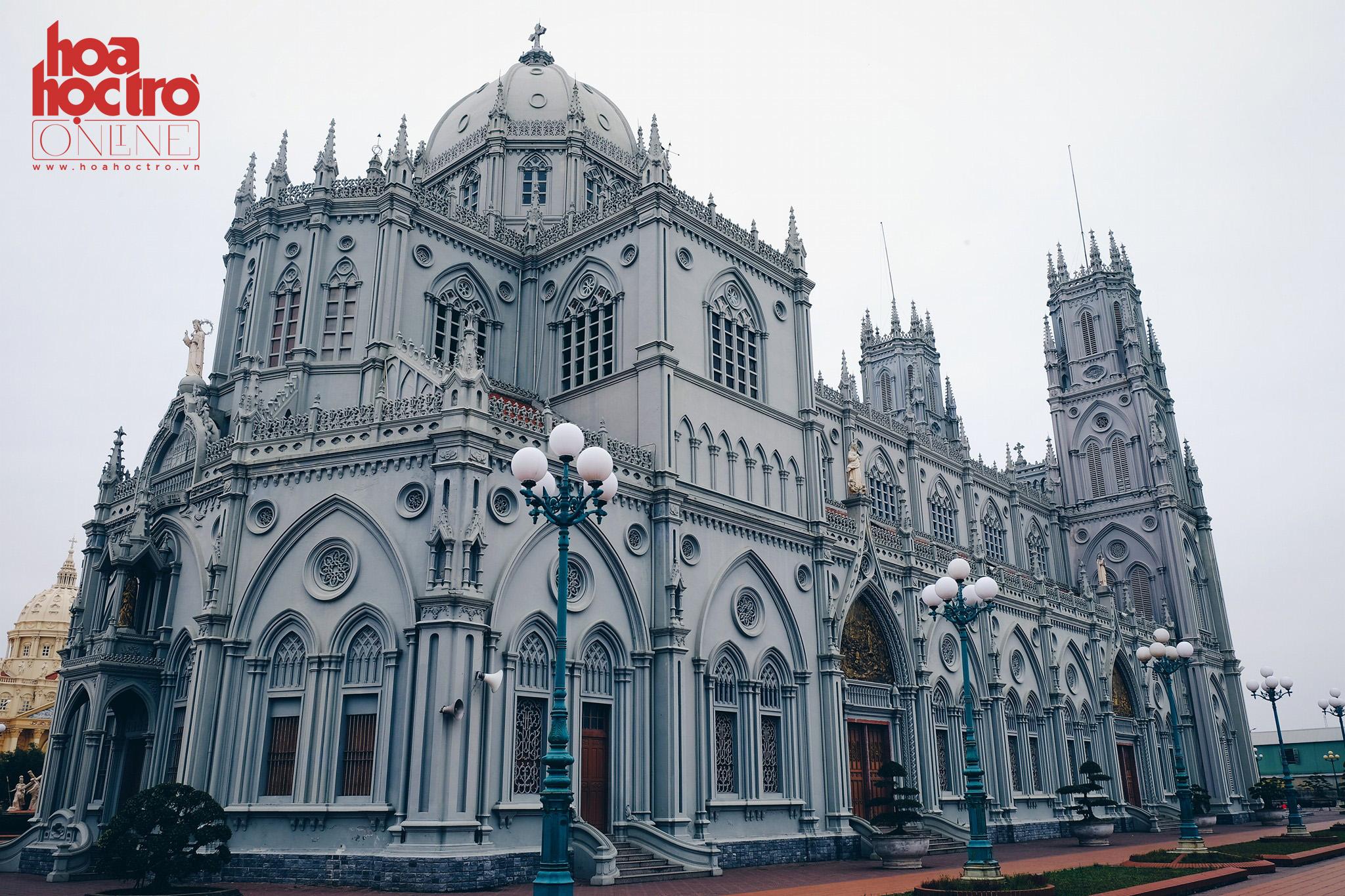 Tháng Ba này cùng ghé Nam Định thăm những nhà thờ đẹp hút hồn
