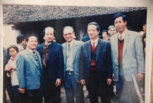 Đặng Xuân Kỳ, Đặng Việt Bích, con trai cụ Trường Chinh (thứ ba, tư từ trái sang).
