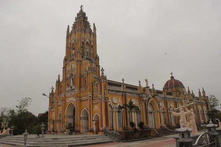 Nhà thờ Giáo họ Hạ Linh – Xuân Trường Nam Định