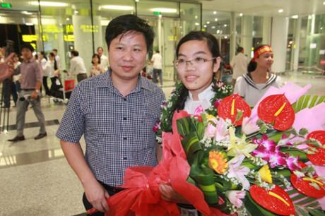 Đinh Thị Hương Thảo - cô gái của đoàn Việt Nam đoạt Huy chương vàng Olympic Vật lý quốc tế.