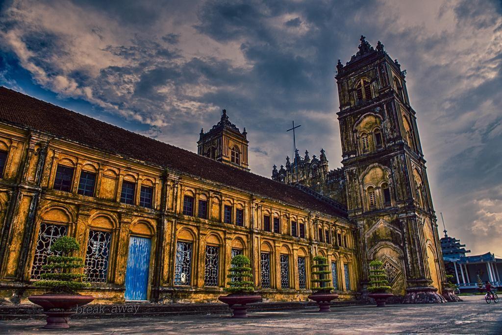 Đây là một nhà thờ cổ ở Nam Định - Ảnh: flickr
