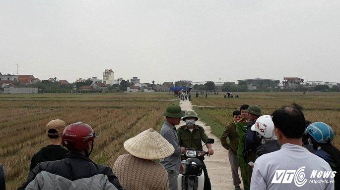 Thông tin mới nhất về xác cô gái trẻ trong ống cống giữa cánh đồng ở Nam Định
