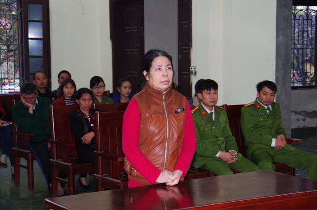 Người giúp việc (Nam Định) bạo hành bé hơn 1 tháng tuổi lĩnh 15 tháng tù