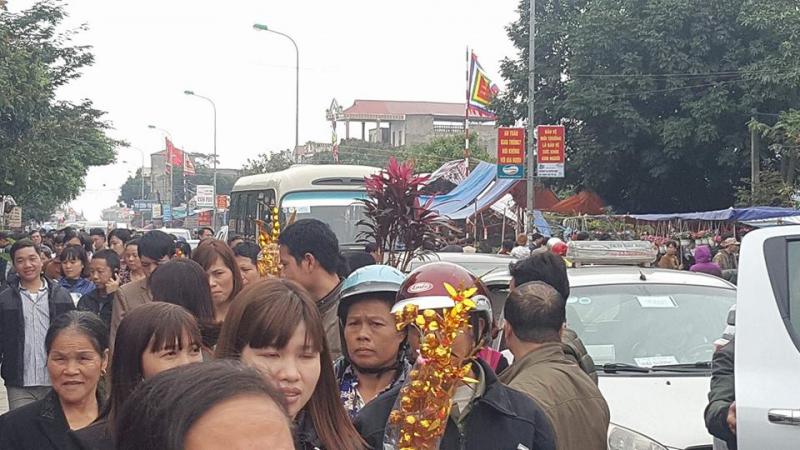 Chợ Viềng Phủ: Chưa Khai Hội, Chợ Viềng đã đông Kín Người