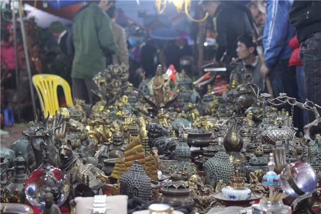 """Chợ Viềng Nam định Họp Vào Ngày Nào: Dịch Vụ Trông Giữ Xe, Nhà Nghỉ """"chặt Chém"""" Du Khách Tại"""