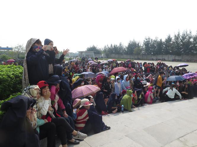 Gần 4.000 công nhân may Nam Định đình công