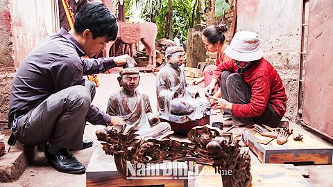 Ý Yên: Đón Bằng công nhận Di sản văn hoá phi vật thể quốc gia – Nghề sơn mài Cát Đằng