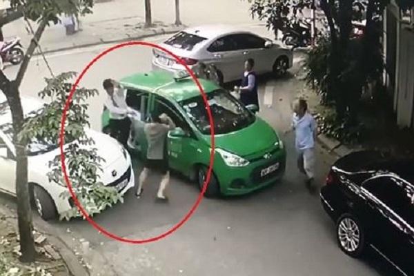 Tài xế người Nam Định bị đánh chảy máu đầu: Tài xế Mercedes khai gì?
