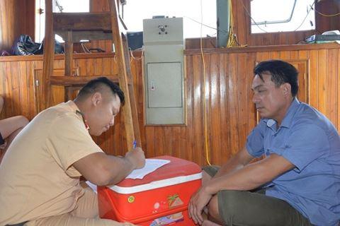 Nam Định: Nửa đêm mật phục bắt 4 tàu khai thác cát trái phép trên sông Hồng