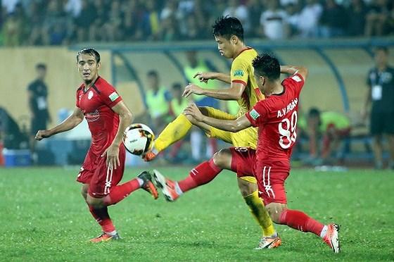 TPHCM gặp Nam Định: Trận chung kết ngược, trận cầu 6 điểm