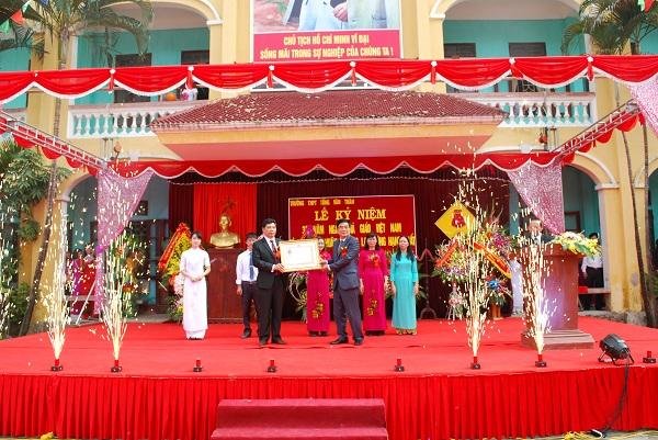 Trường THPT Tống Văn Trân-mái trường chất lượng cao