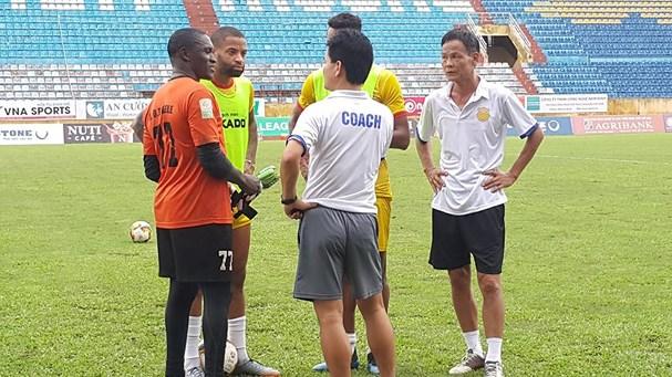 V-League 2018: 'Khúc cua tử thần' thử thách bản lĩnh tân binh Nam Định