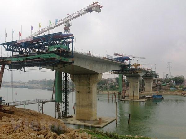 Gấp rút thi công cầu Thịnh Long: Phá thế 'qua sông phải lụy đò'