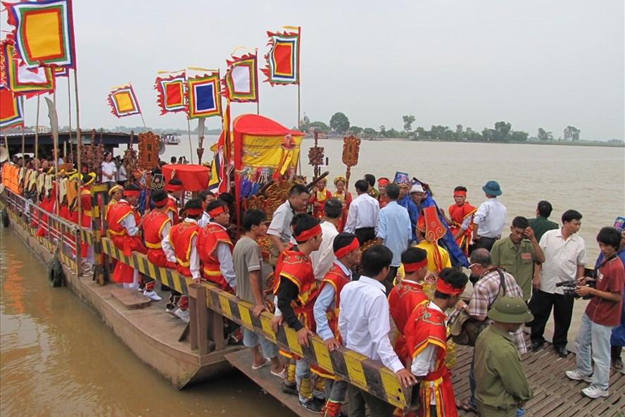 Hội đền Độc Bộ – lễ hội mùa thu lớn nhất Châu thổ Bắc Bộ