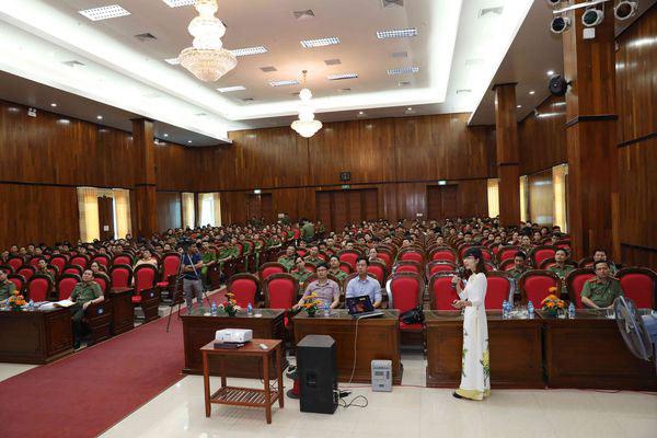 LeadViet truyền thông sức khỏe cho cán bộ, chiến sĩ công an tỉnh Nam Định