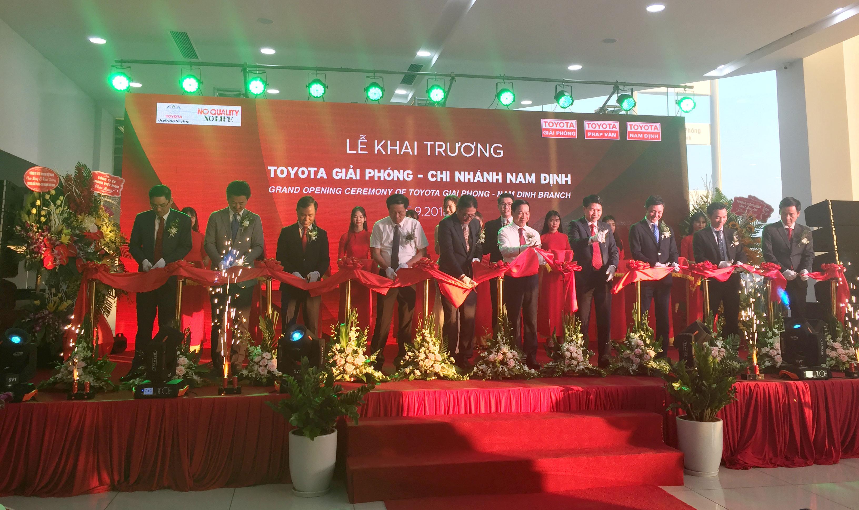 Toyota chính thức khai trương đại lý tại Nam Định