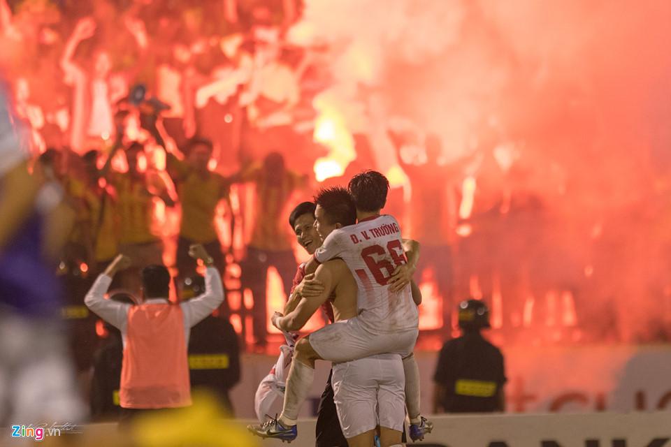 Khoảnh khắc ấn tượng trong trận play-off của CLB Nam Định