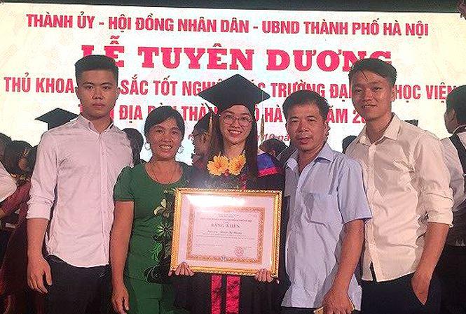 Nữ sinh Nam Định trở thành thủ khoa đầu tiên ngành Công trình