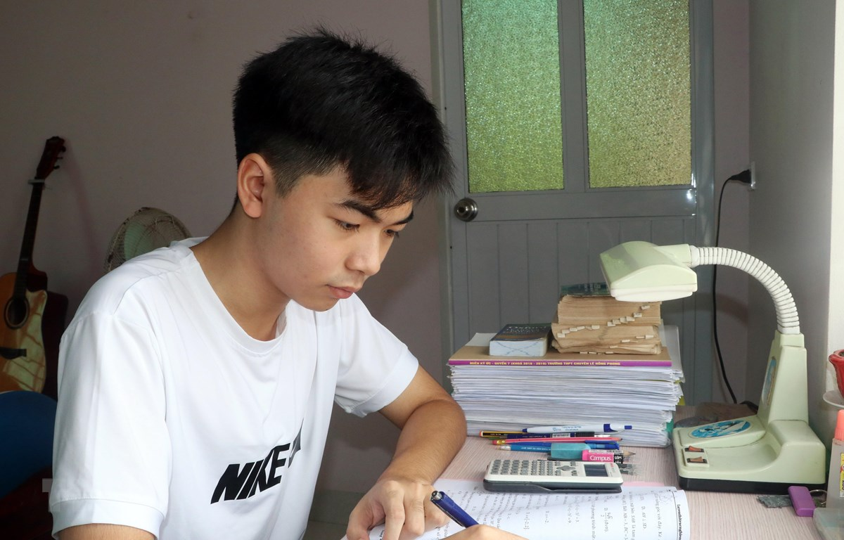 Gặp gỡ 2 gương mặt thủ khoa THPT tiêu biểu của đất học Nam Định