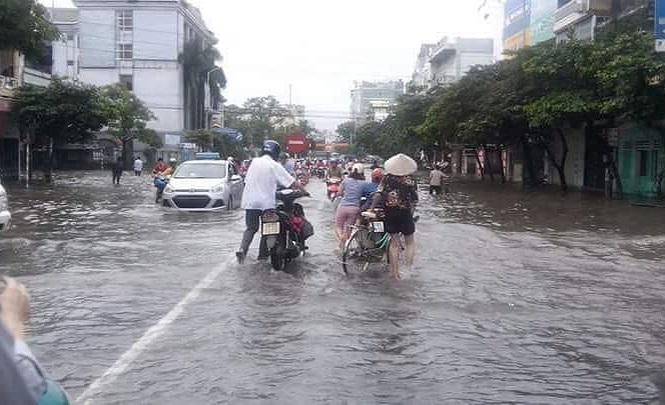 Bão chuyển thành áp thấp, Nam Định mưa ngập một số nơi
