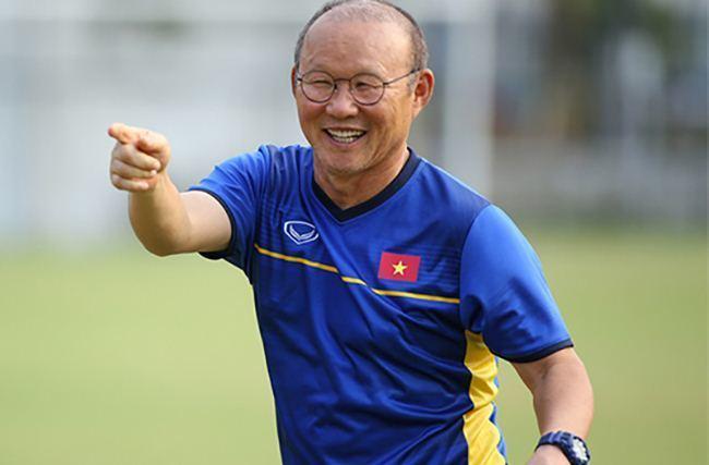 Đến sân Thiên Trường dự khán, HLV Park chấm được một cầu thủ Nam Định?