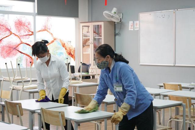 TP.HCM cho học sinh nghỉ hết 19/4 để phòng dịch