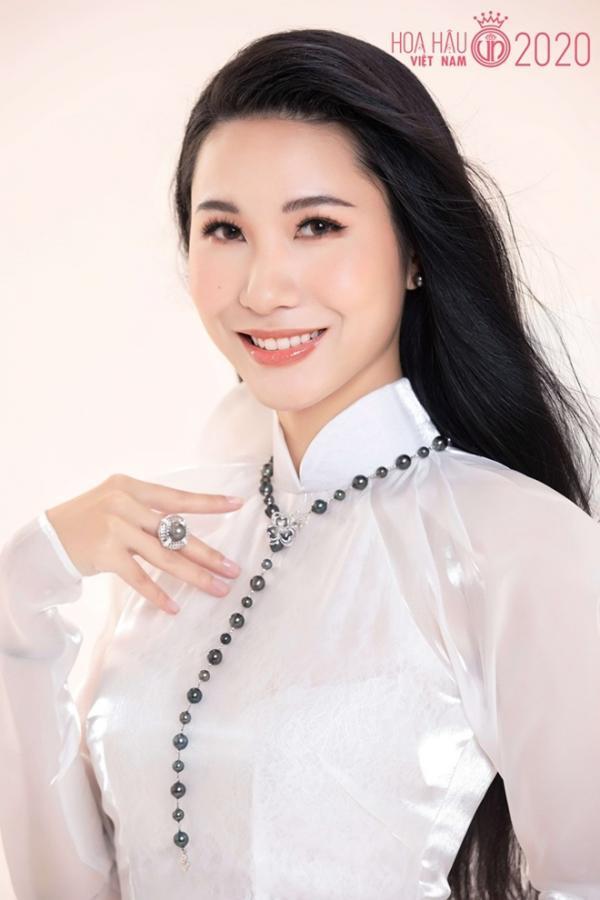 Nhan sắc khiến bao trái tim 'điêu đứng' của nữ tiếp viên gốc Nam Định lọt Bán kết HHVN 2020