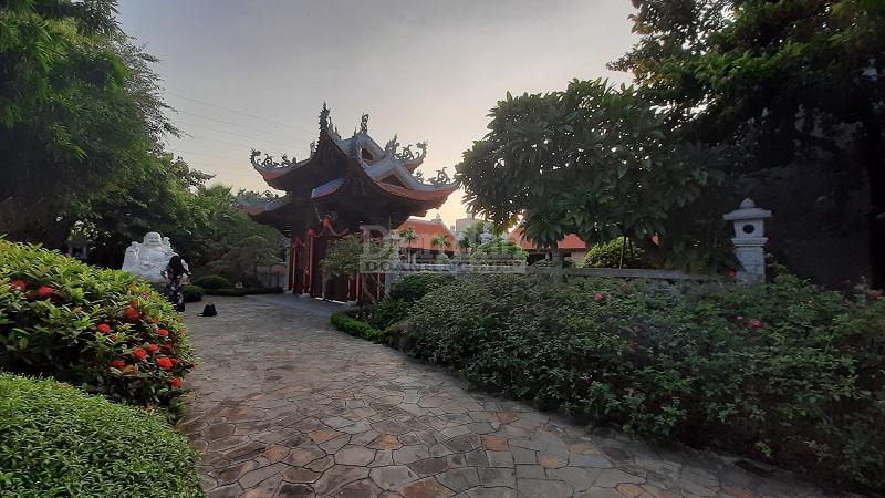 """Nam Định: Công trình """"khủng"""" mọc trên hành lang thoát lũ?"""