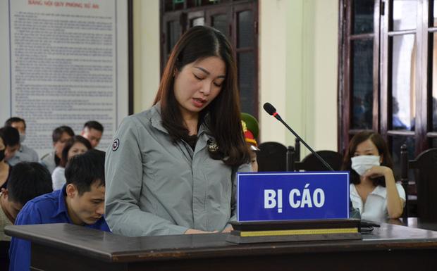 """Tuyên 1 năm tù vợ nguyên Chủ tịch phường đánh người cản trở """"quan lộ"""" của chồng"""